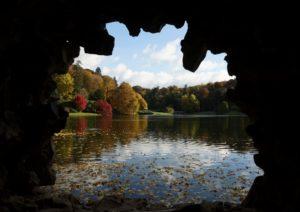 stourhead-autumn-6-1024x722